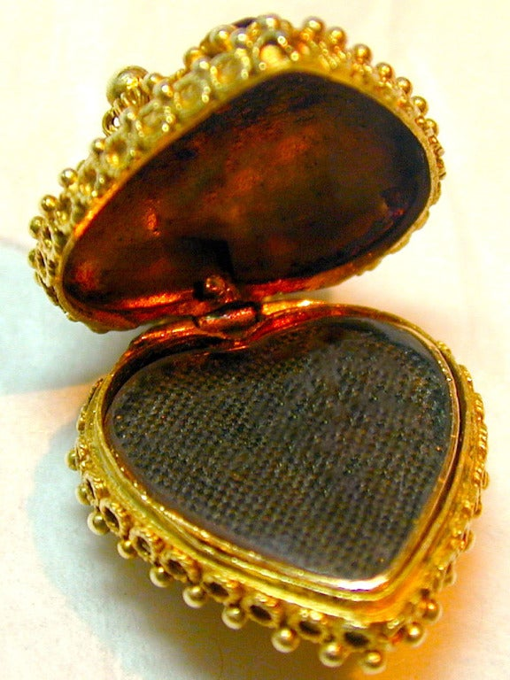 Antique Heart Locket 5