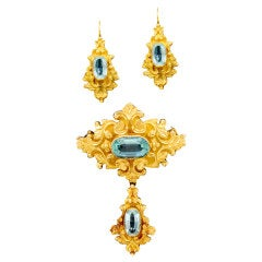 Stunning Georgian Aquamarine Gold Brooch and Earrings Suite