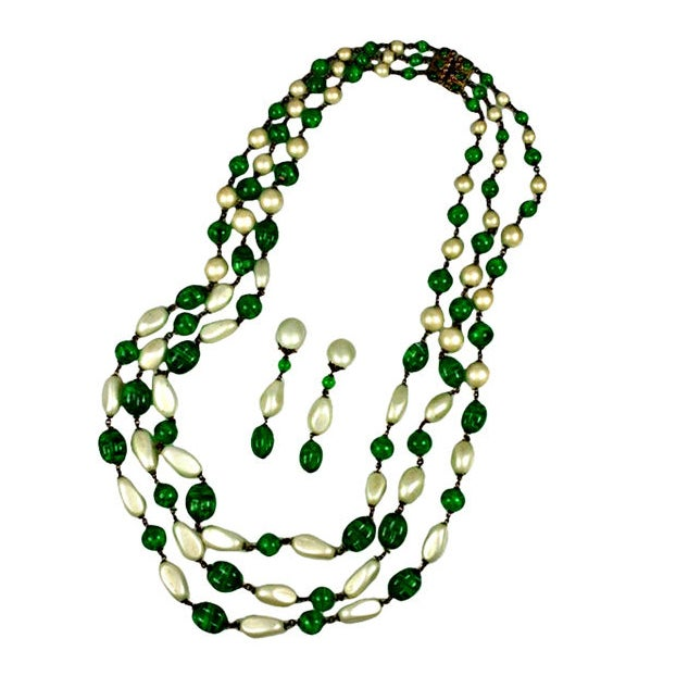 Massive Faux Pearl and Emerald Sautoir Necklace, Chanel For Sale