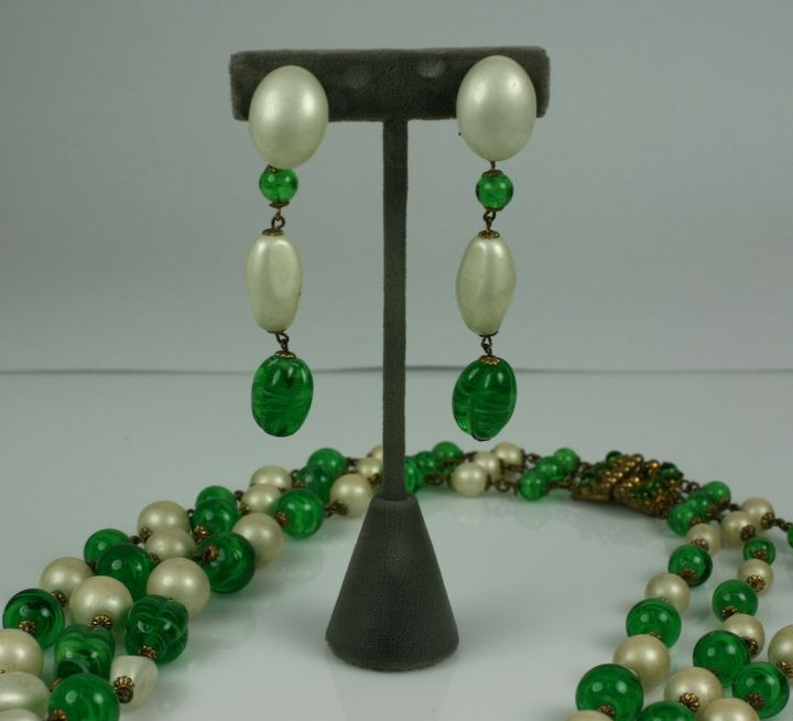 Massive Faux Pearl and Emerald Sautoir Necklace, Chanel In Excellent Condition For Sale In Riverdale, NY