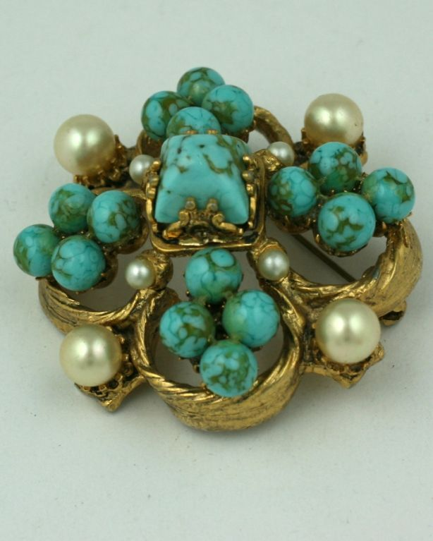 Chanel Renaissance Quatrefoil Brooch In Excellent Condition For Sale In Riverdale, NY
