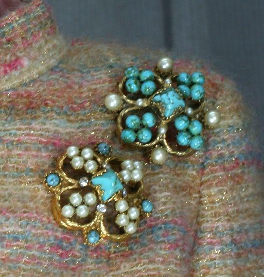 Chanel Renaissance Quatrefoil Brooch For Sale 1