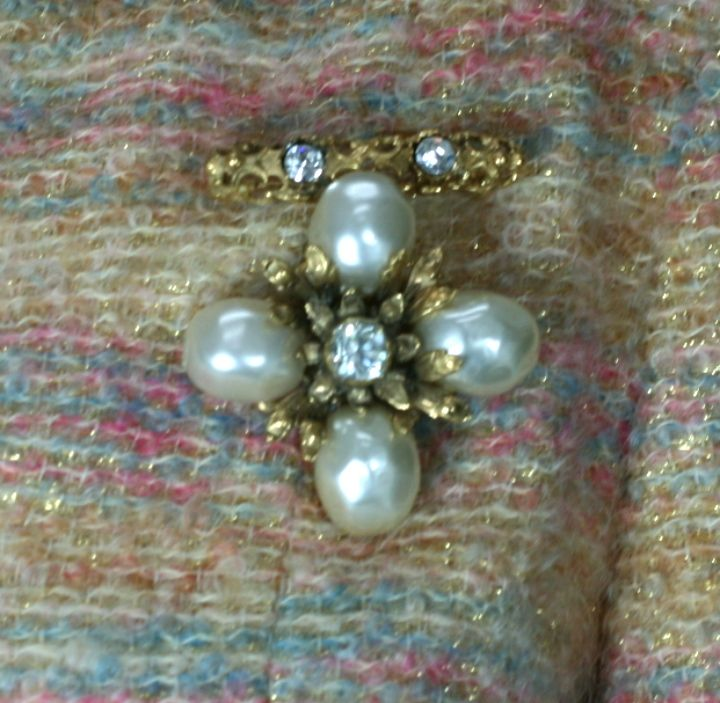 Chanel Baroque Pearl Pendant Brooch For Sale 1