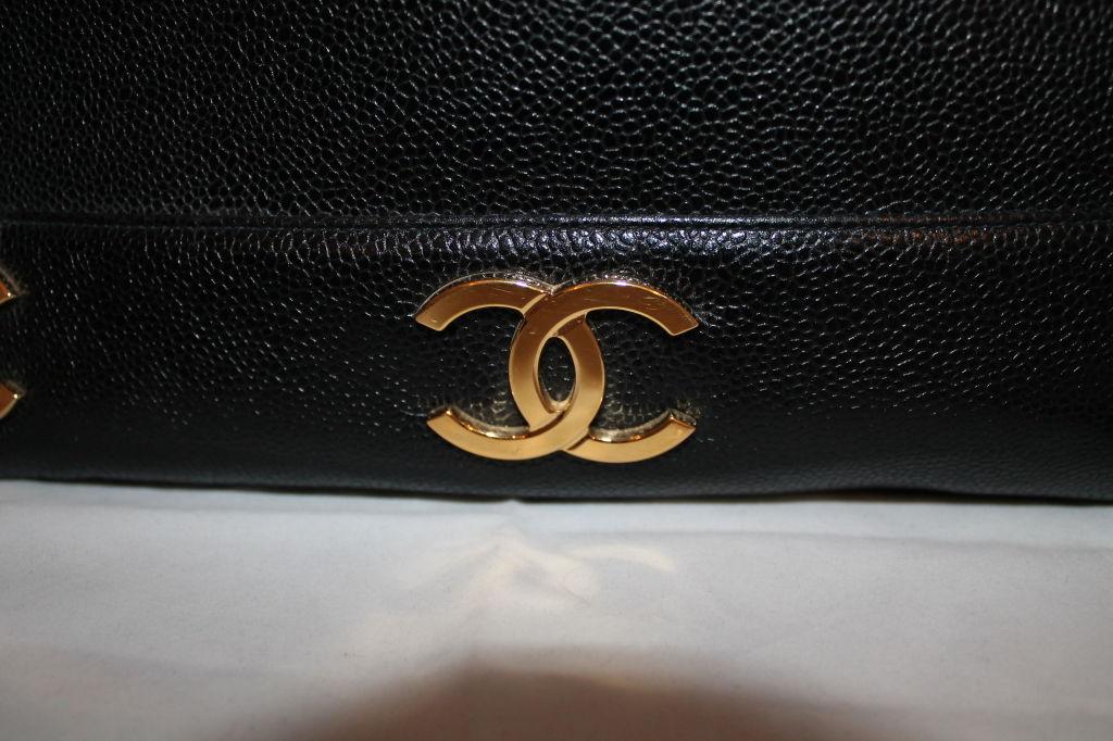 Women's Vintage Chanel Black Caviar Leather Logo Shoulder Bag-Circa 90's For Sale