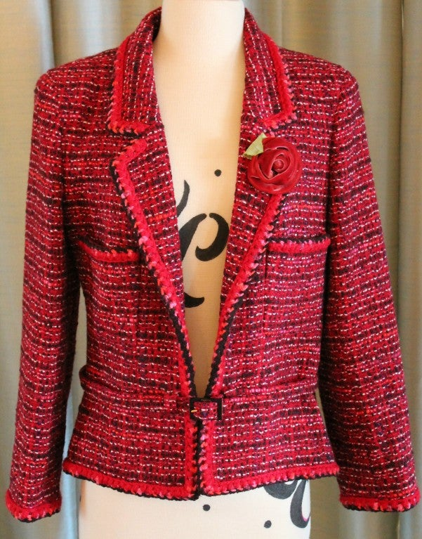 Chanel pink tweed jacket with belt and red flower on lapel. Collection 01A. Shoulder to shoulder is 16.5 inches, sleeve length is 22.5.