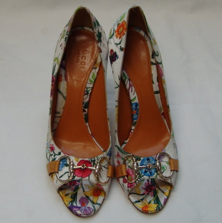 Gucci Floral Print Silk Shoes 2