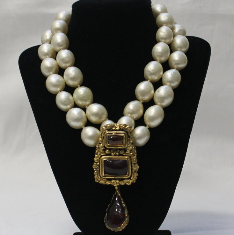 Chanel Vintage Pearl and Gripoix Necklace 2