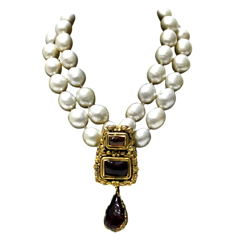 Chanel Vintage Pearl and Gripoix Necklace 1