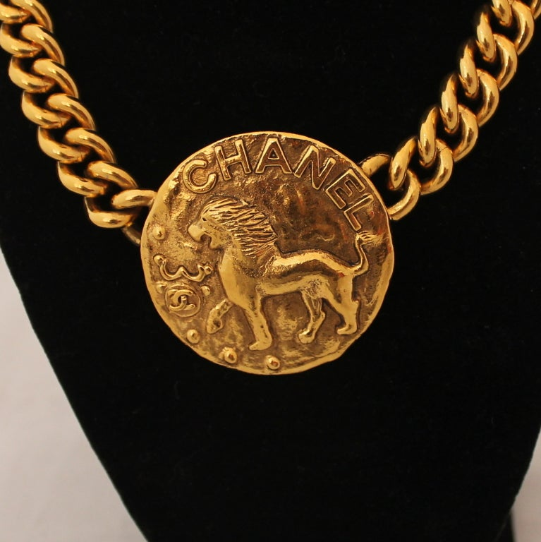 Vintage Chanel Single Gold Medallion Necklace - Circa 1986 3