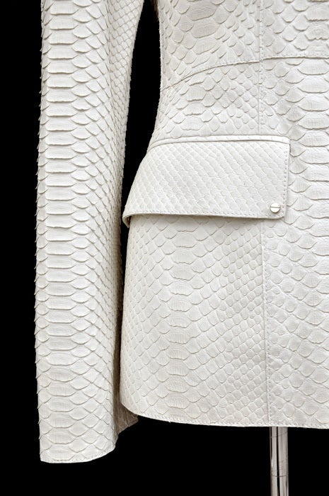New GIANNI VERSACE COUTURE WHITE PYTHON JACKET In New Condition For Sale In Montgomery, TX