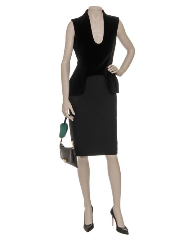 What do supers model wear? Of course, only the best! Naomi even wore it  for the red carpet event!