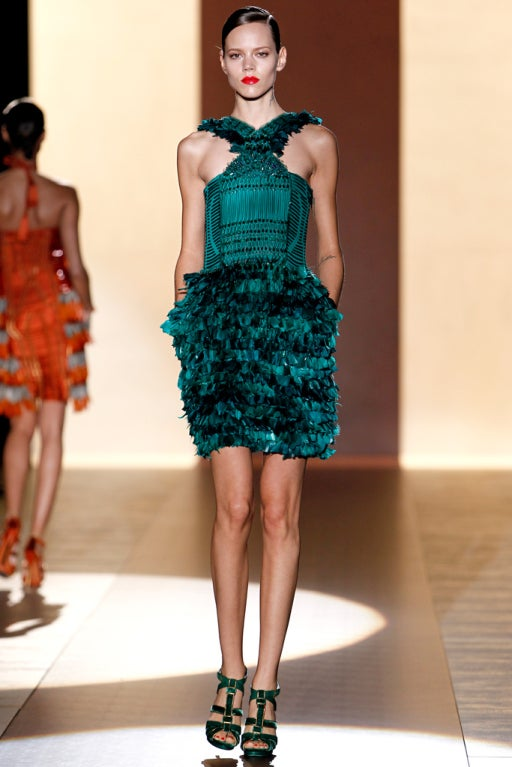 New GUCCI GREEN FEATHER DRESS 2