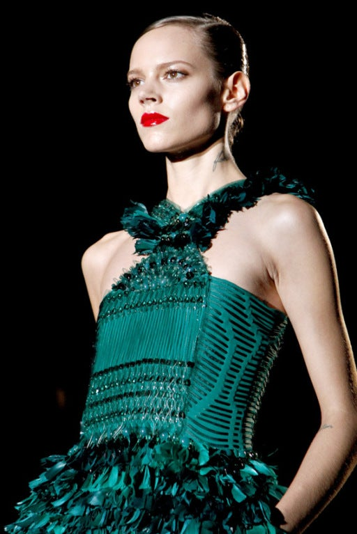 New GUCCI GREEN FEATHER DRESS 8