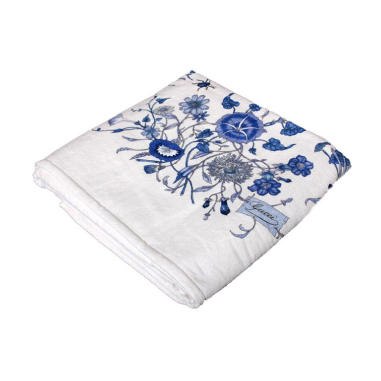 Rare GUCCI BLUE FLORA PRINT TOWEL from CRUISE COLLECTION