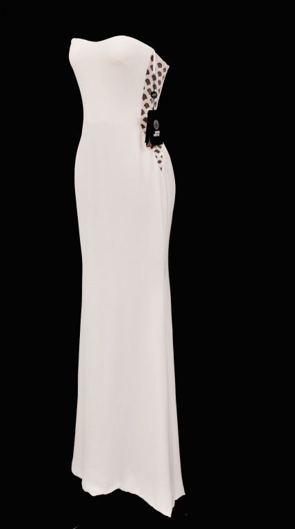 Women's Vintage Gianni Versace Couture Beaded Silk and Tulle White Gown For Sale
