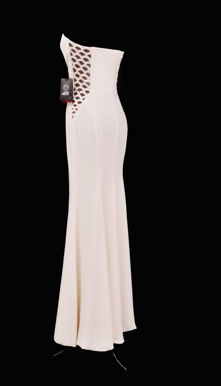 Vintage Gianni Versace Couture Beaded Silk and Tulle White Gown For Sale 2
