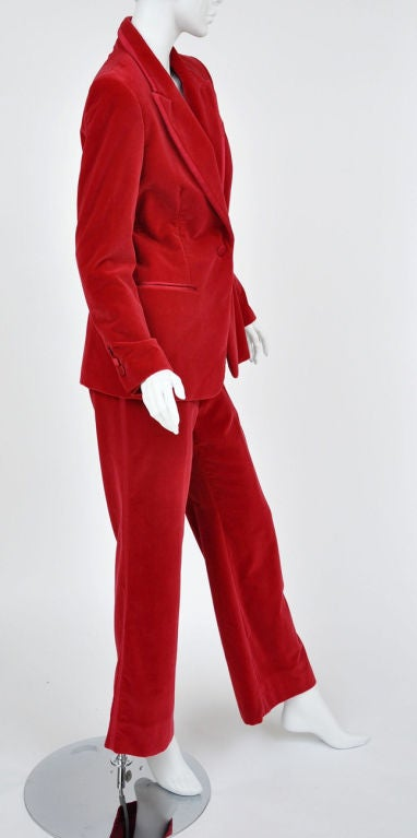 Women's Tom Ford for Gucci Iconic Red Velvet Tuxedo Suit For Sale