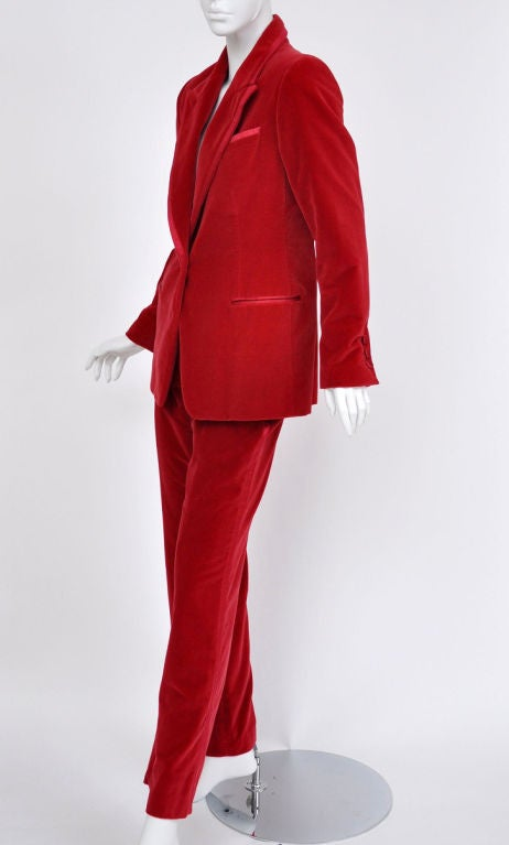 tom ford for gucci iconic red velvet tuxedo suit at 1stdibs