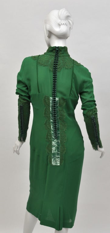 New TOM FORD EMERALD GREEN APPLIQUE LACE COCKTAIL DRESS In Excellent Condition For Sale In Montgomery, TX