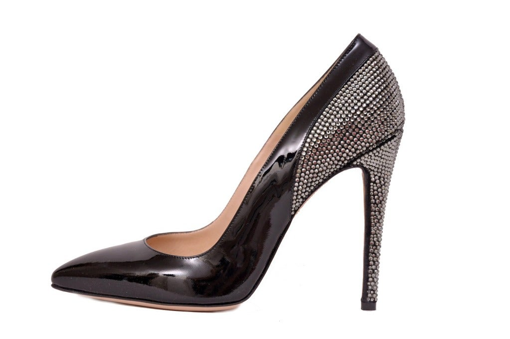 Versace Black Patent Leather pumps with Swarovski crystals 40 In New Never_worn Condition For Sale In Montgomery, TX