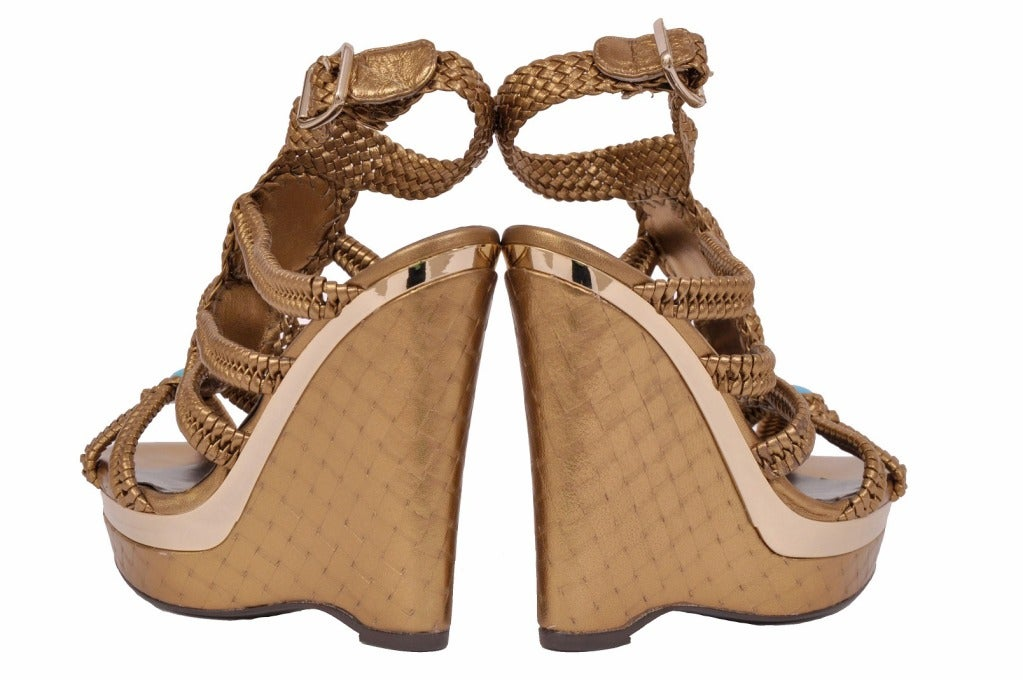 Roberto Cavalli nappa laminated wedge embellished with stones In New never worn Condition For Sale In Montgomery, TX
