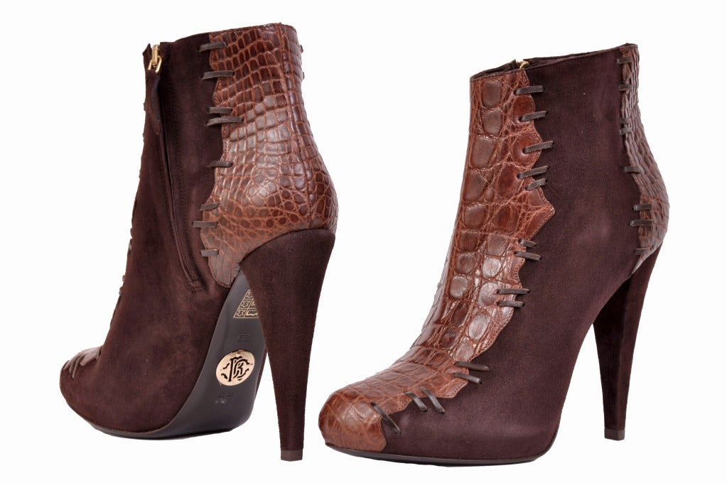 Roberto Cavalli brown alligator & suede ankle boots In New Never_worn Condition For Sale In Montgomery, TX