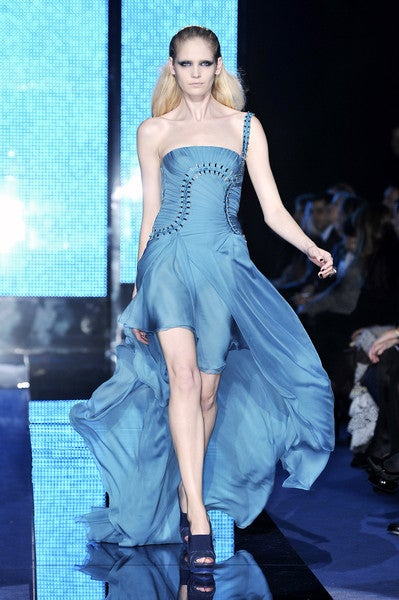 $12,310 New Versace One Shoulder Blue Silk Gown 2