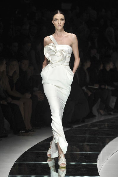 BRAND NEW VERSACE DRESS  One-shoulder design, artfully embellished body   with zipper trimmed heart - ensure   a stunning silhouette.   Size  42 or US 6  Made in Italy  Retail price is $18,125.00