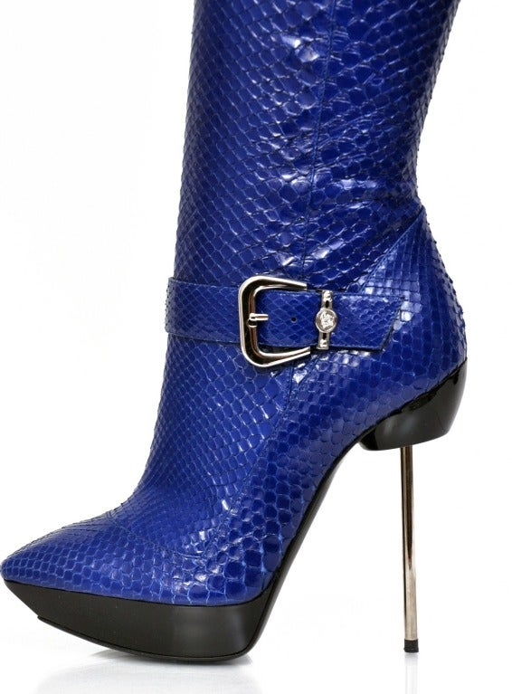 New VERSACE BLUE PYTHON PLATFORM & STILETTO BOOTS 36 In Excellent Condition For Sale In Montgomery, TX