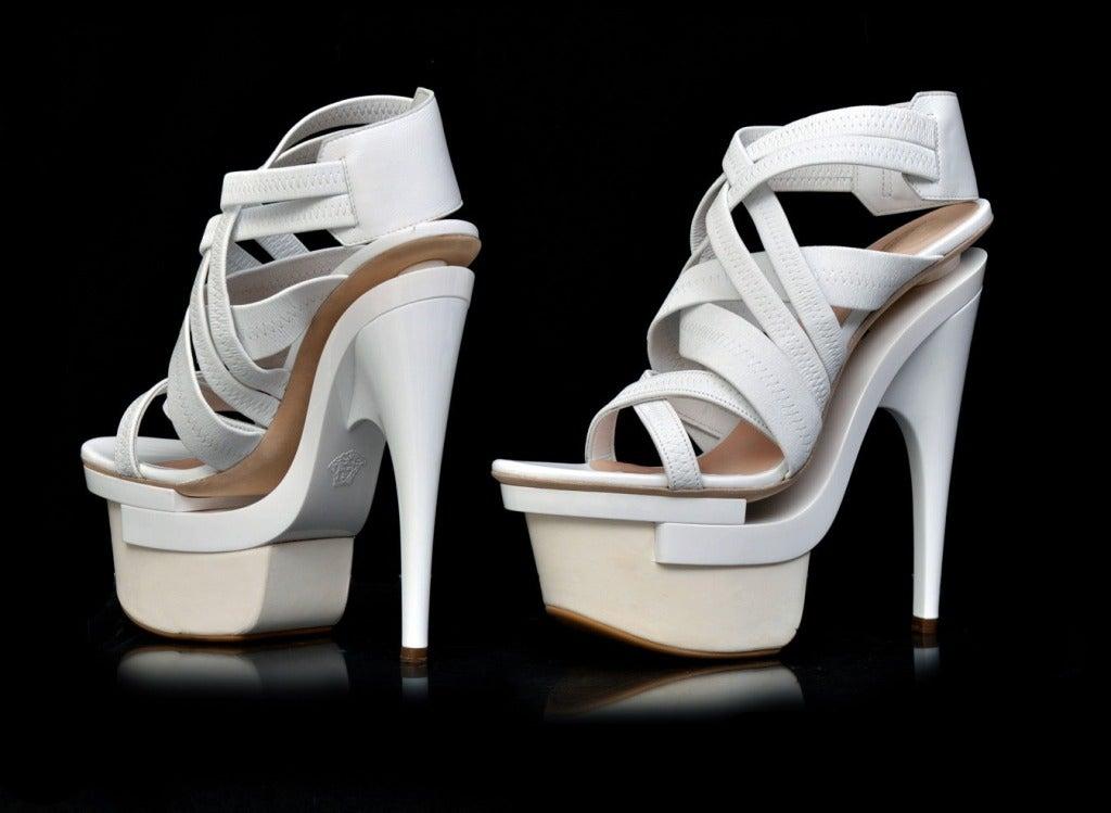 New VERSACE White leather platform sandals 39 2