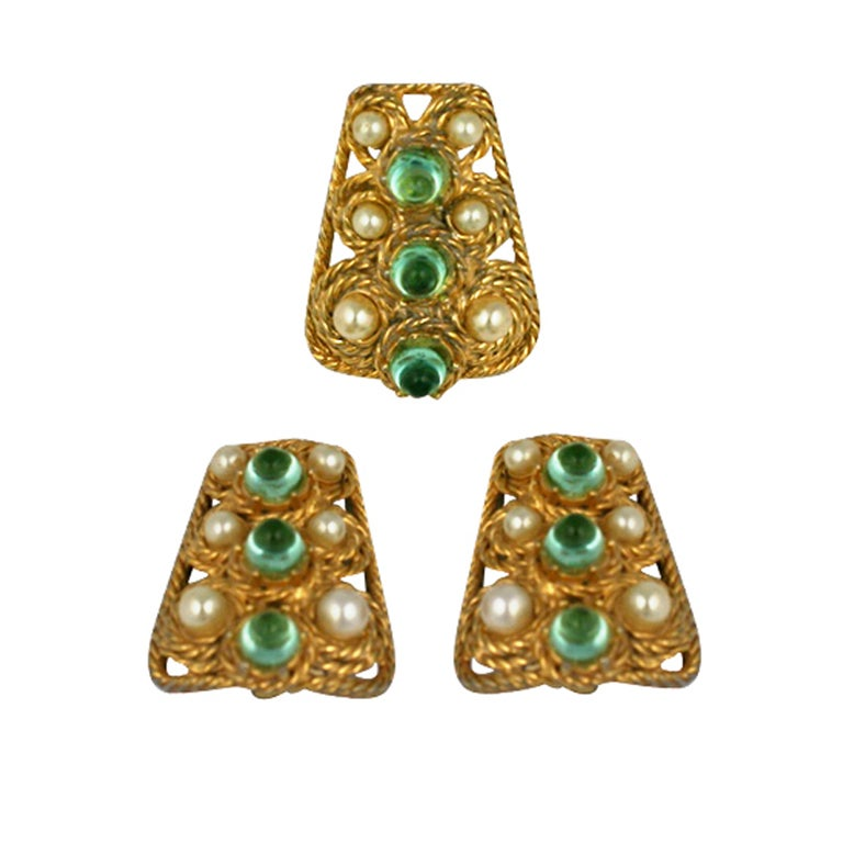 House of Schiaparelli Anglo Indian Peridot Cabochon Set 1
