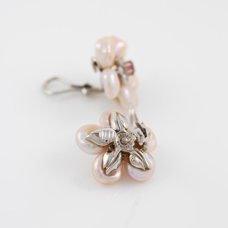 Seaman Schepps White Gold Pearl Diamond Pink Sapphire Flower Earrings 2