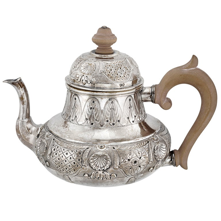 Dutch Silver Tea Pot with Shell Pattern c1747