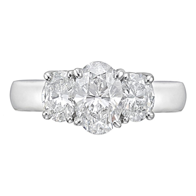 Carat oval cut diamond engagement ring at 1stdibs for 26 carat diamond ring