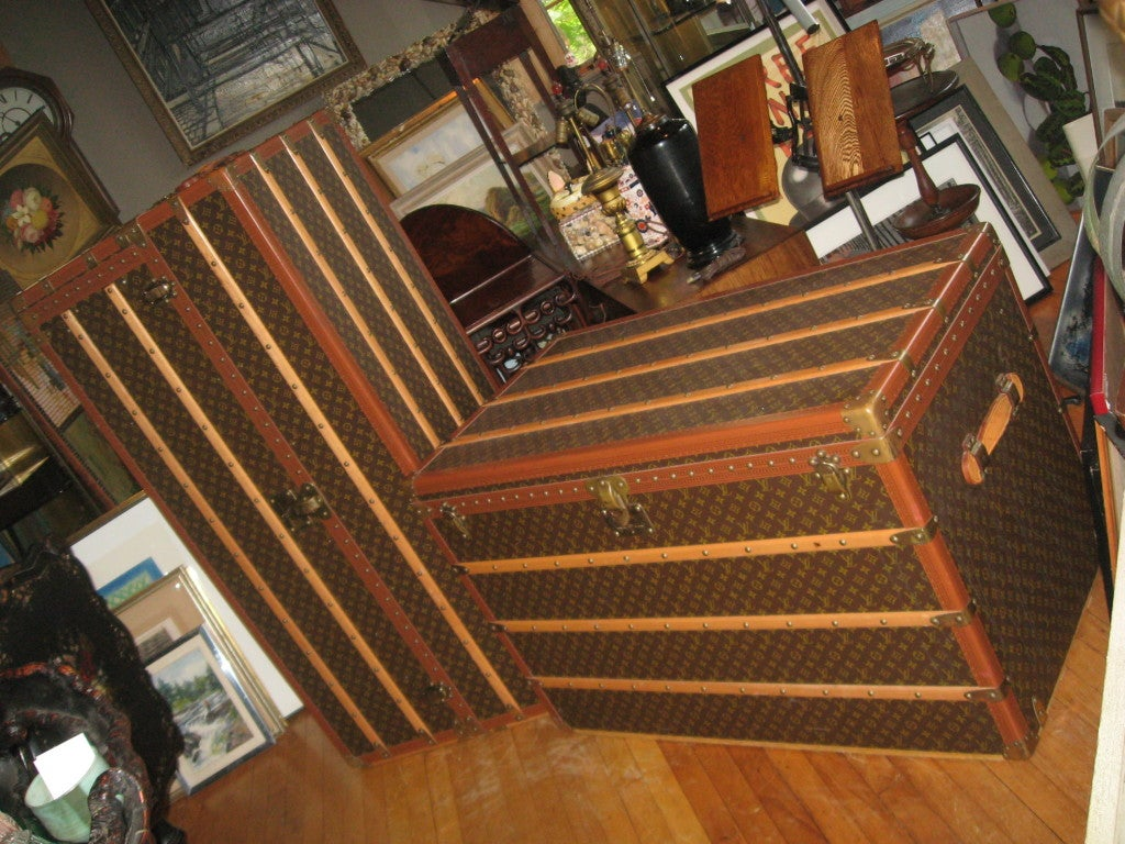 Louis Vuitton Courier Vintage Trunk In Excellent Condition For Sale In Water Mill, NY