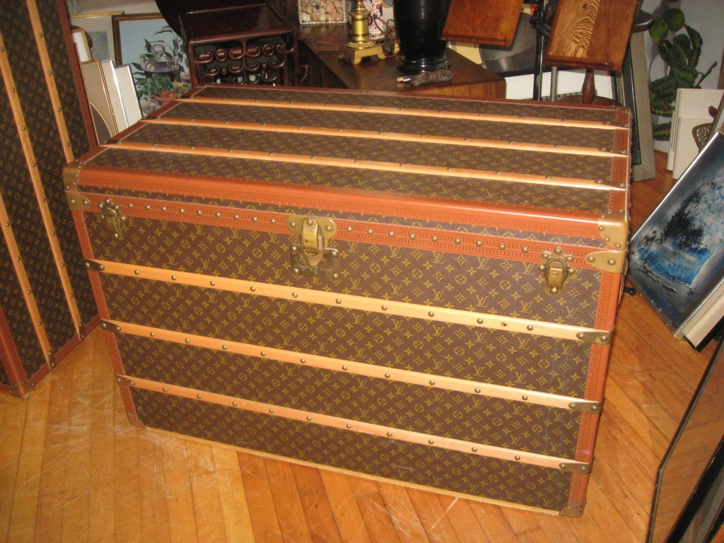"Louis Vuitton Courier Vintage 44"" Trunk with Leather Handels and Keys"