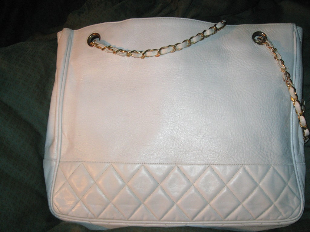 Chanel Vintage White Oversize Leather Shoulder/Tote Bag 2