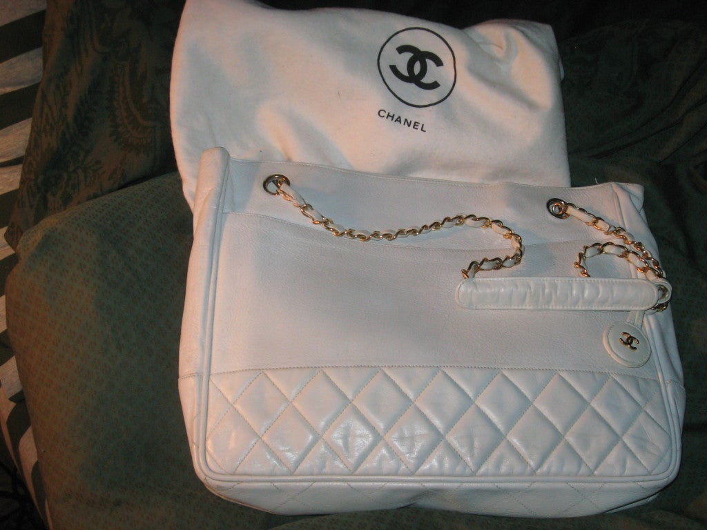 Chanel Vintage White Oversize Leather Shoulder/Tote Bag 3