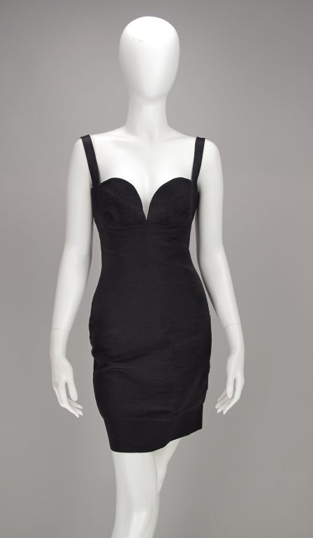 Gianni Versace Couture black laced back corset dress, 1990s In Excellent Condition For Sale In West Palm Beach, FL