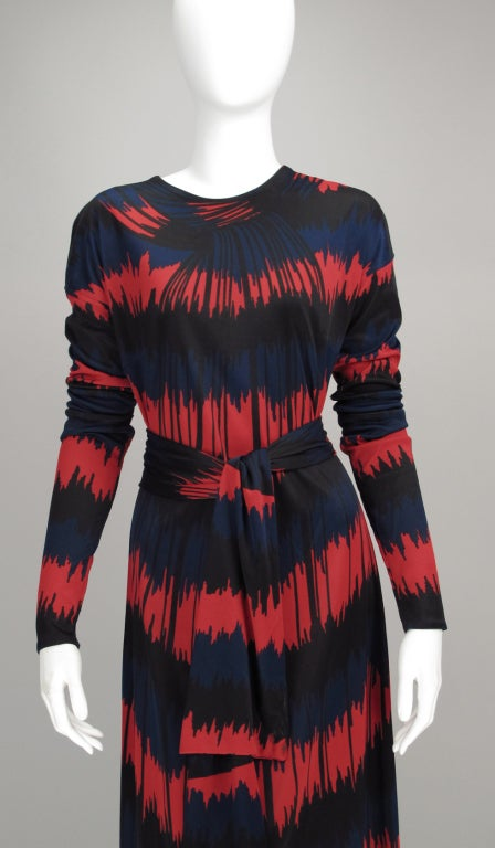 Vintage Roberta di Camerino Red and Blue Optical Print Maxi dress 1977 In Good Condition For Sale In West Palm Beach, FL