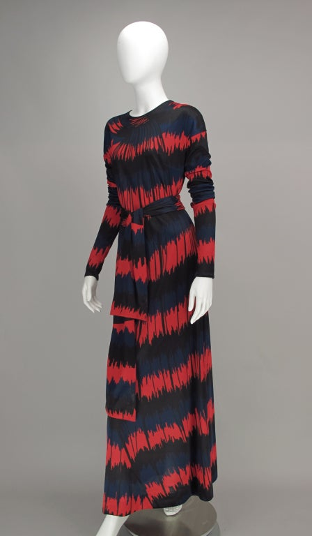 Women's Vintage Roberta di Camerino Red and Blue Optical Print Maxi dress 1977 For Sale