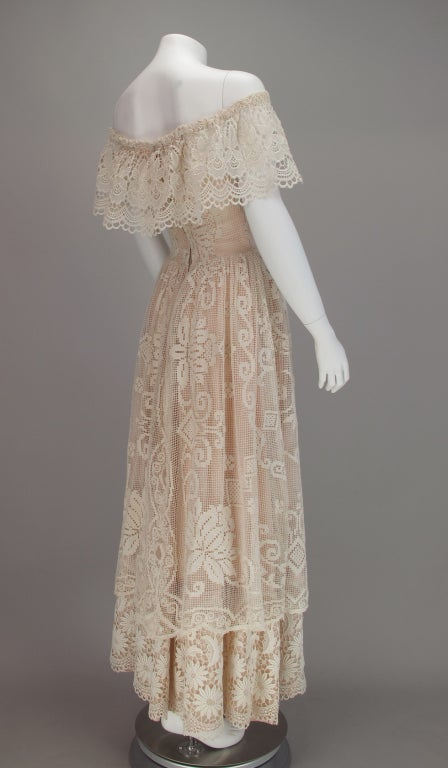 1960s boheimian lace luxe wedding dress 4