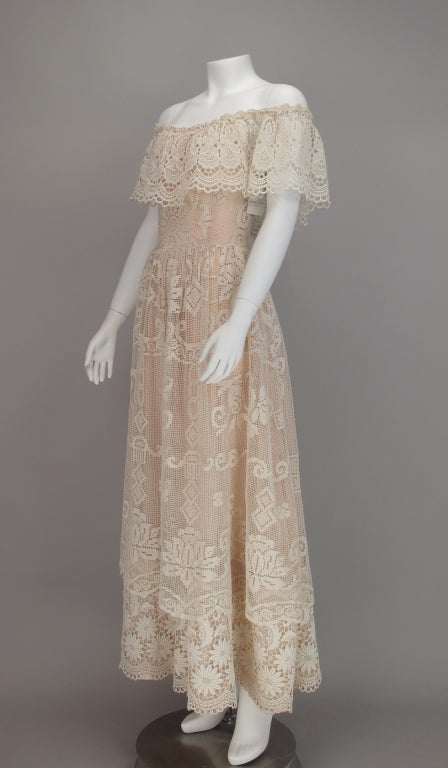 1960s boheimian lace luxe wedding dress 7