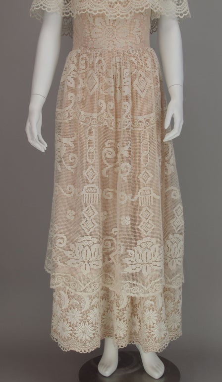 1960s boheimian lace luxe wedding dress 9