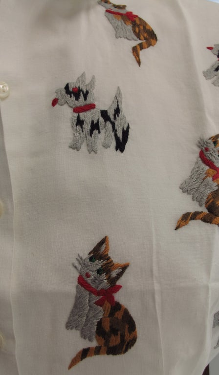 1950s Cats & Dogs 1950s embroidered blouse For Sale 3