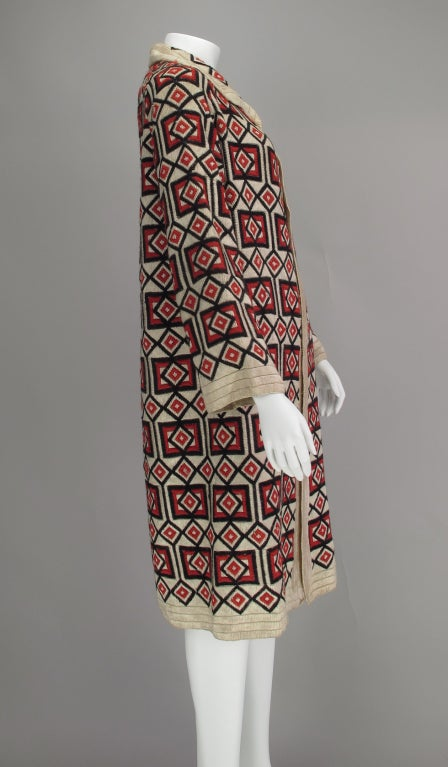 1920s  Art Deco woven wool coat In Excellent Condition For Sale In West Palm Beach, FL
