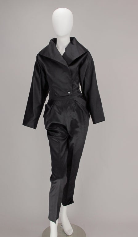 Black 1980s Vicky Tiel black silk cropped pant set For Sale