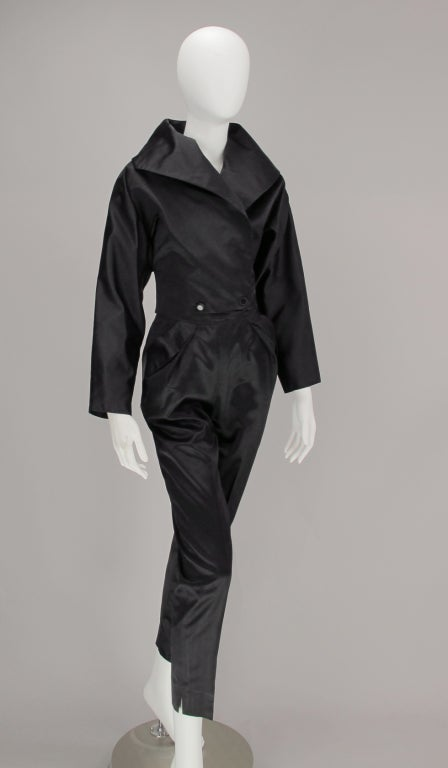 1980s Vicky Tiel black silk cropped pant set In Excellent Condition For Sale In West Palm Beach, FL