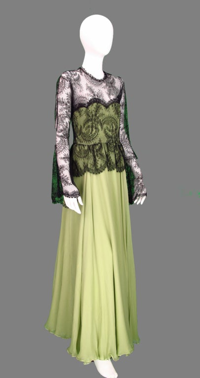 Women's Vintage Oscar de la Renta Chanilly lace and mint green silk chiffon gown 1970s For Sale