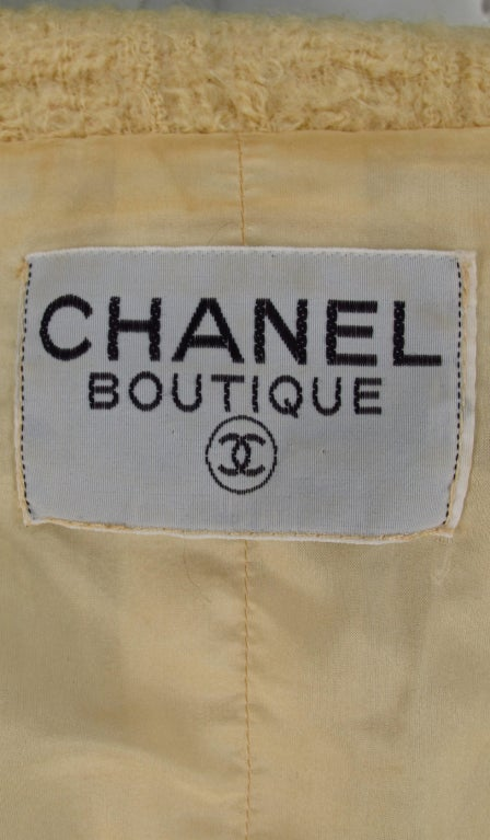 Iconic Chanel suit 9